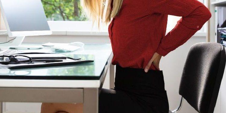 Cómo sentarte a trabajar sin lesionar tu espalda